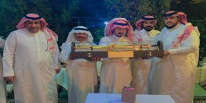 ناصر الدوسري يكرم الدكتور صالح