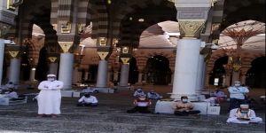 #عاجل بث تكشف تفاصيل قصة الباكي بالمسجد النبوي الشريف