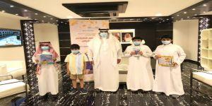 مدير تعليم مكّة يُكرم عدداً من طلاب المركز الصيفي الافتراضي في مسابقة الفهم القرائي
