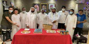 إهداء التطوعي يستقبل همم مكية بمركز النزهة ويفاجئي مدير المركز التنفيذي