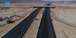 إستكمال أعمال مشروع طريق الأربع حارات الرابط بين جدة ومكة المكرمة