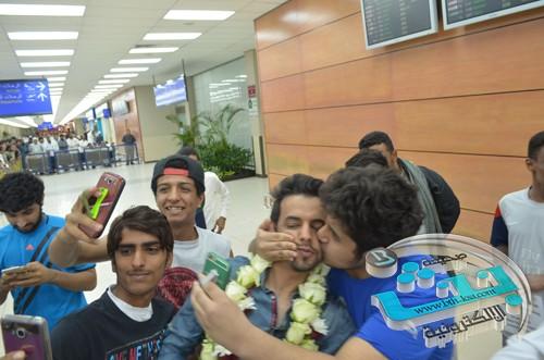 وصول استقبال الفيصل بمطار الرياض خروجه ستار اكاديمى 11شاهد استقبال ستار اكاديمى السعودى الفيصل